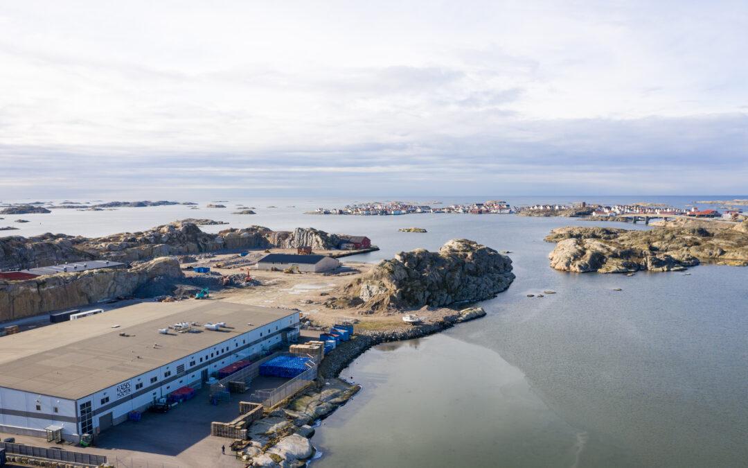 Fabriken på Tjörn har en generatoryta för solceller av 2 194,7 m². (Foto: Klädesholmen Seafood AB).